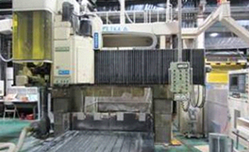 Large NC machining center.Okuma MCV-20A  5-face machining center